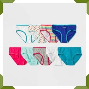 Girls Classic Briefs Pack of 9 Size 10 new in pack